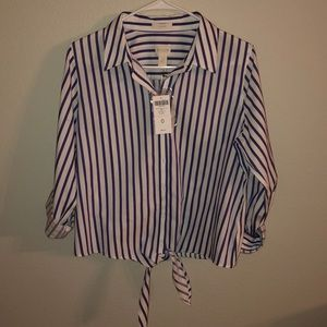 New Chico's no Iron button down tie blouse